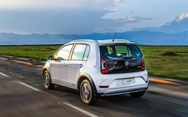 VW Up! Extreme vem com tampa traseira pintada de preto brilhante e rodas com acabamento diamantado