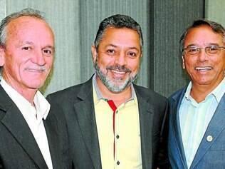 Vereadores.   Marreco, Irineu Inácio e Arnaldo de Oliveira são os solicitantes da criação da regra