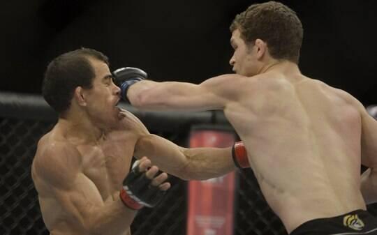 Após suspensão por doping, Tavares dá mata-leão e finaliza Salas em Goiânia - Lutas - iG