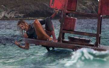 """""""Águas Rasas"""" faz Blake Lively medir forças com tubarão"""