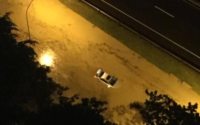 Caos na cidade do Rio de Janeiro foi registrado em diversos vídeos da chuva, compartilhados nas redes sociais