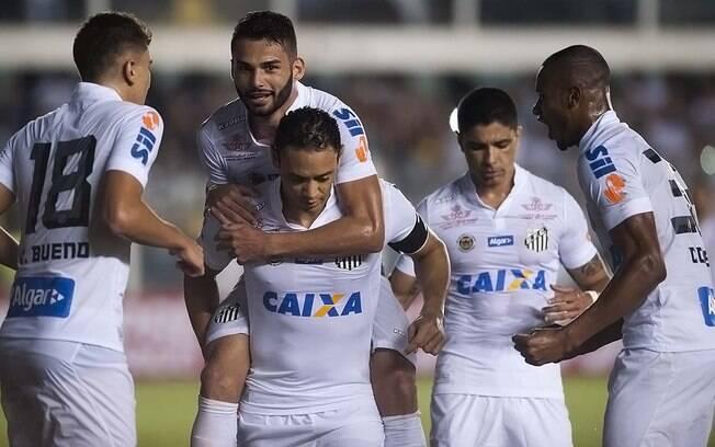 e4d2a3db2c341 Copete (último da esquerda) comemora com seus companheiros o segundo gol do  Santos sobre