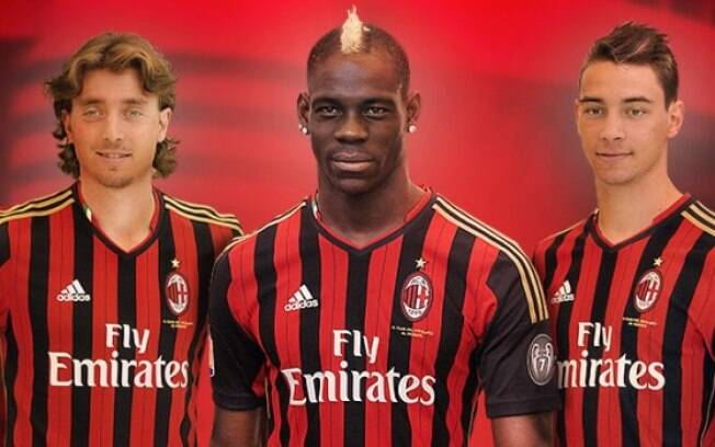 O italiano Milan, do craque Balotelli (no  centro da foto),  o 37º da lista da Forbes,  valendo R$ 2,10 bilhões