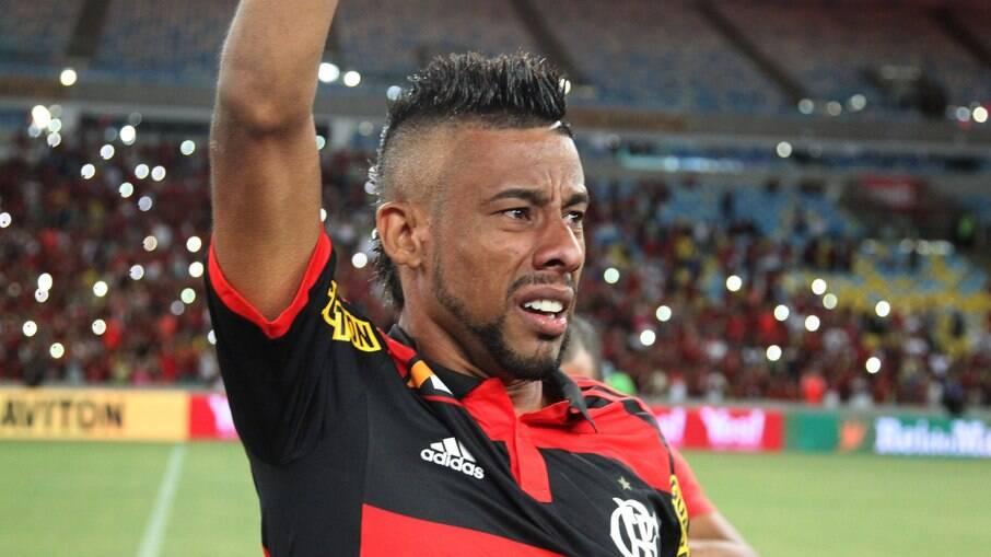 Léo Moura anuncia aposentadoria do futebol