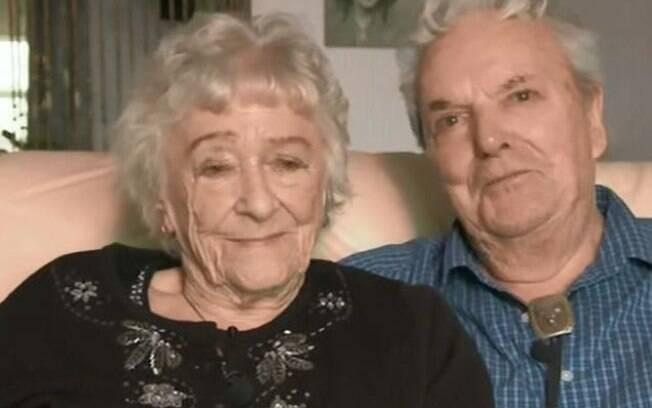 June e Jeff celebram 70 anos de casamento e garantem que o segredo é dar muitos beijos