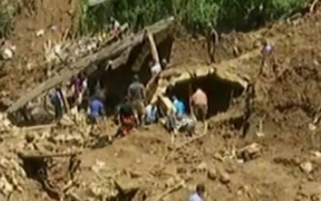 Polícia afirmou que  número de mortos após tufão pode aumentar por causa de deslizamento de terra na ilha de Luzon