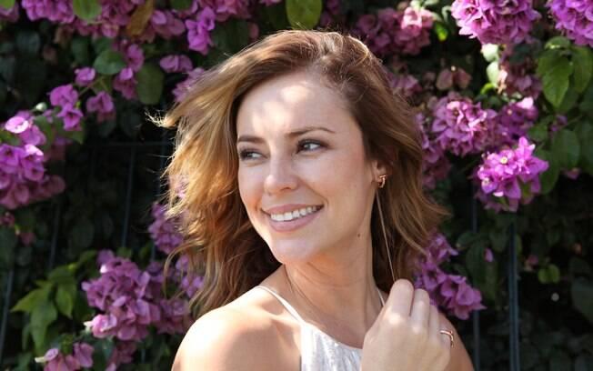 Paolla Oliveira interpreta Helena na comédia romântica