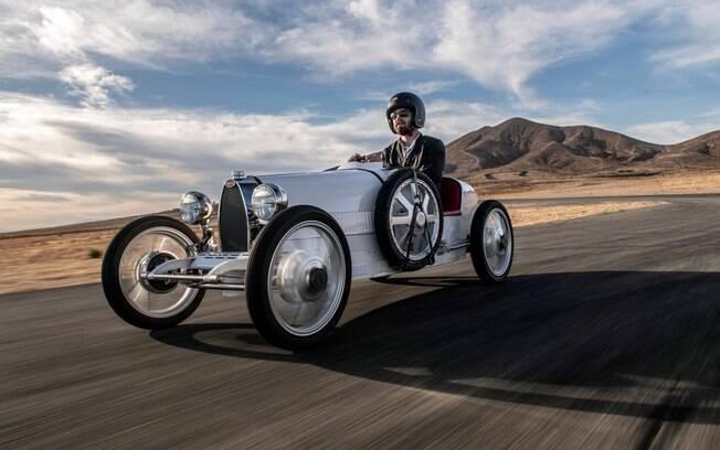 Bugatti Baby II: brinquedo que custa o equivalente a R$ 388 mil e vem com motor elétrico  para atingir até R$ 70 km/h