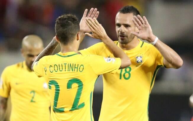 Philippe Coutinho marcou três gols contra o Haiti