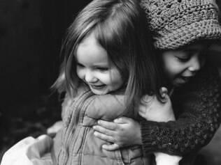 Série fotográfica mostra que não há diferença entre filhos biológicos e adotivos