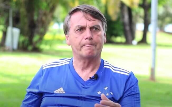 Mais uma vez, Bolsonaro libera indulto de natal a policiais criminosos