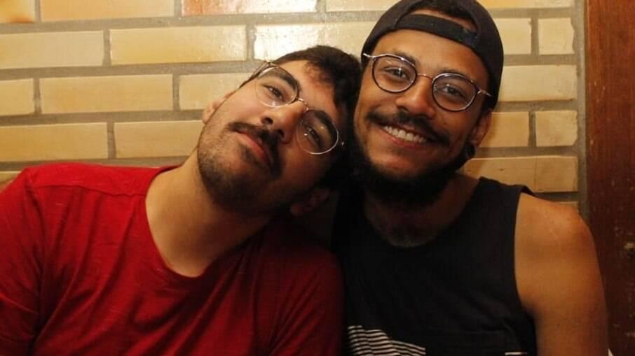 João Luiz e seu namorado Igor Moreira