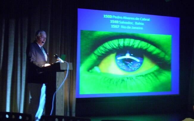 O neurocirurgião e historiador Daniel Nijensohn faz palestra sobre a origem da América do Sul