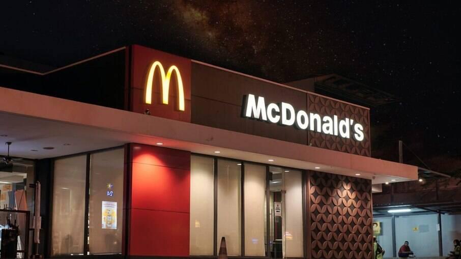 McDonald's precisa pagar salário mínimo e vale-alimentação, decide TST