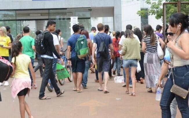 Pelo ProUni, os estudantes podem concorrer a bolsas de estudo parciais e integrais em instituições particulares