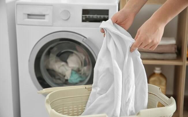 Apesar de alguns recursos das máquinas facilitarem o momento de lavar roupas, eles podem aumentar o gasto de água