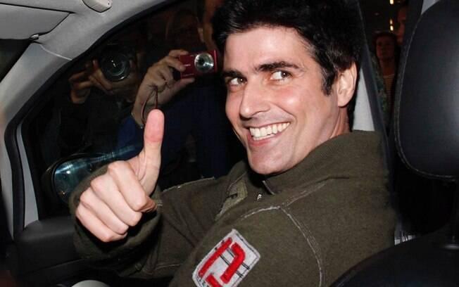 Reynaldo Gianecchini na saída do hospital Sírio Libanês: