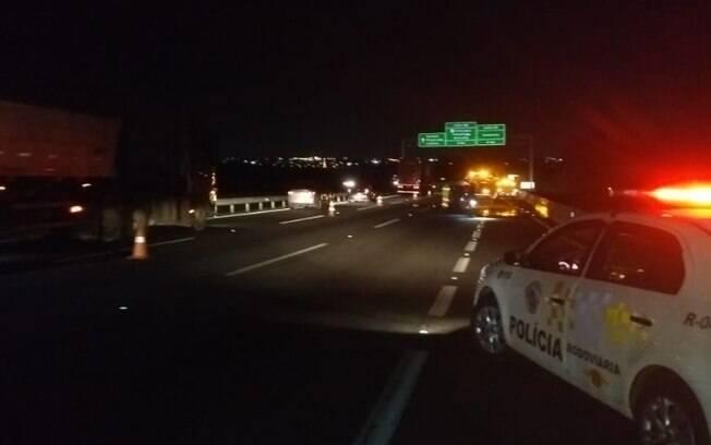 Homem de 42 anos morre atropelado na Bandeirantes em Campinas