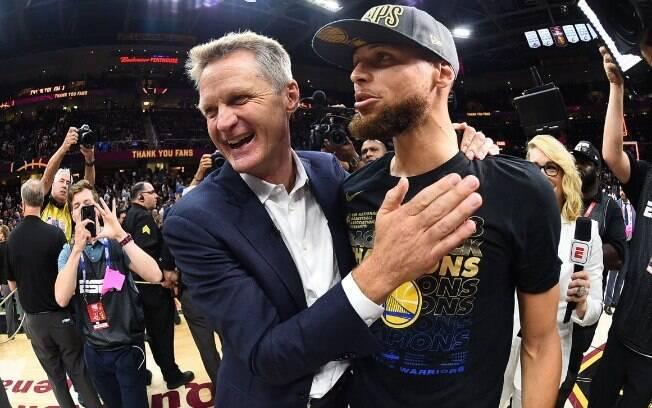 Stephen Curry e Steve Kerr: parceria entre jogador e técnico de muito sucesso