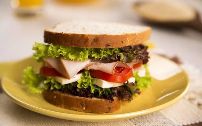 Para quem procura uma opção mais saudável, o sanduíche natural é uma ótima opção
