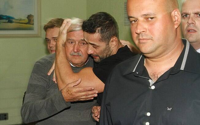 Marcos Oliver é liberado após 30 dias de prisão