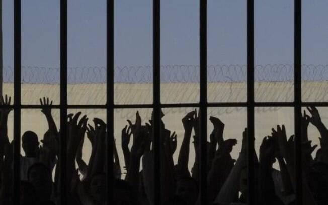 Proposta do senador Waldemir Moka prevê que presos paguem pelas suas despesas