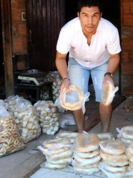 Hoje em dia, Cabañas ganha a vida trabalhando como padeiro no Paraguai