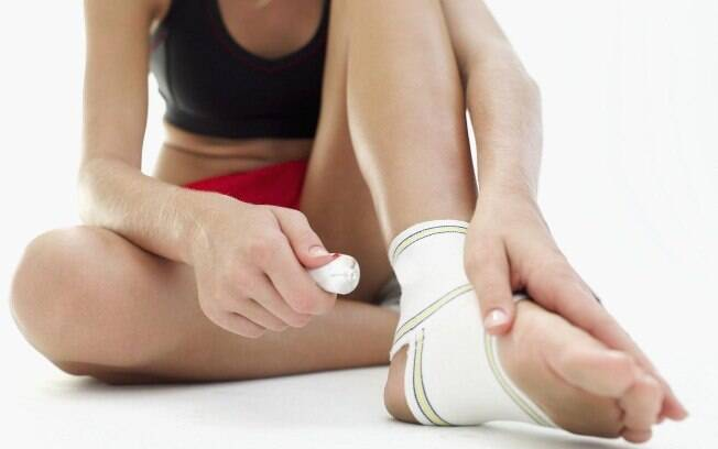 Seja iniciante ou não, é preciso tomar medidas simples para evitar se lesionar durante o treino em casa