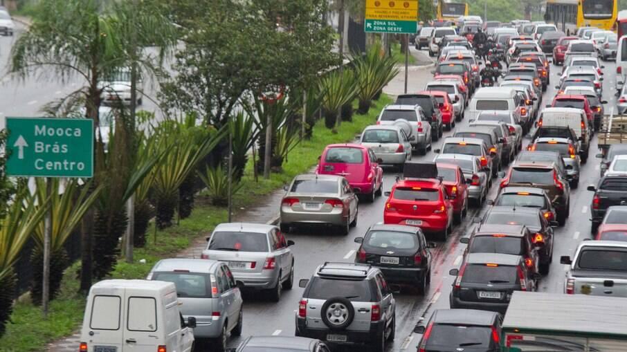São Paulo reinicia rodízio de veículos nesta segunda-feira, 02