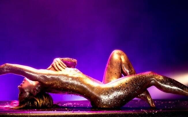 Claudia Leitte no clipe de sua nova música, Carnaval