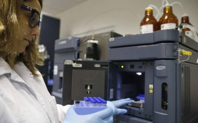 Bolsas de pesquisa são essenciais para que estudantes possam se dedicar a suas pesquisas