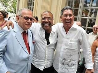 Wilson Alves, o Moisés (à direita), ex-presidente e pai do atual, com Martinho da Vila e Marcos Vilaça