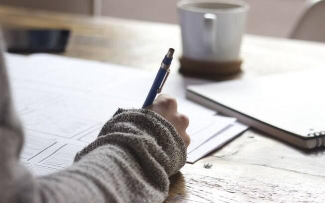 Universidade no DF disponibiliza curso gratuito de alfabetização