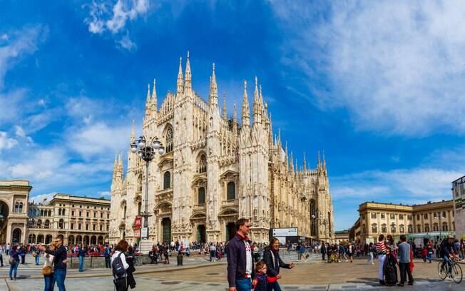 A Catedral de Milão é uma das mais célebres edificações em estilo gótico da Europa, admirada ao redor do mundo