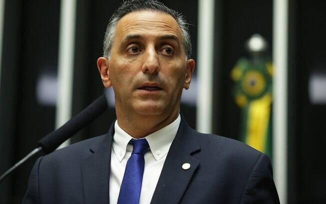 Deputado Eduardo Cury (PSDB) é favorito para relatar a reforma da Previdência em Comissão especial
