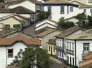 O casario histórico no centro de Sabará inspira artistas de todo tipo