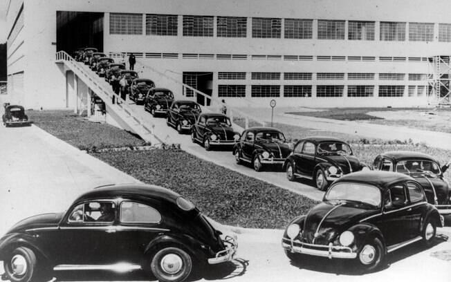 Primeiras unidades do VW Fusca saem da fábrica em São Bernardo do Campo (SP). Foto: Divulgação