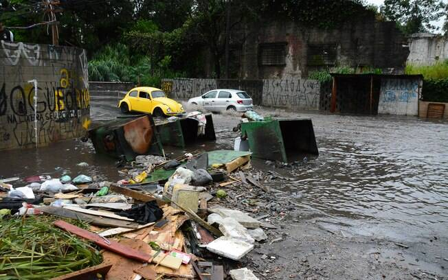 Empresas que geram mais de 200 litros de resíduos por dia devem se responsabilizar pelo descarte do material