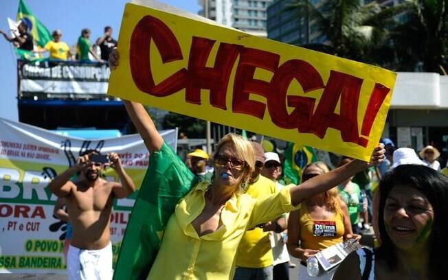 No Rio de Janeiro, cerca de 10 mil pessoas foram às ruas para protestar neste domingo (12/04/2015)