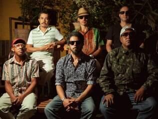 A banda Nação Zumbi toca com BNegão na Praça JK