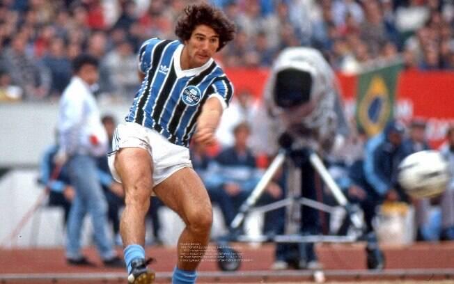 Renato Gaúcho em ação pelo Grêmio em 1983