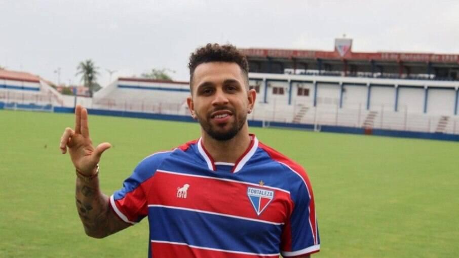Wellington Nem, ex-Fluminense, deixou o Fortaleza