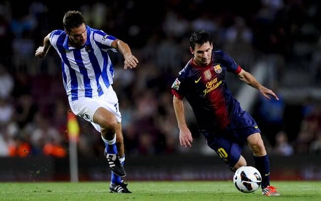 Na rodada de estreia, goleada sobre a Real  Sociedad por 5 a 1. Messi marcou duas vezes