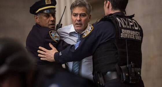 """Clooney dá show no ótimo """"Jogo do Dinheiro"""""""