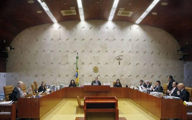 Com o encerramento do julgamento, a Corte derrubou a decisão individual do ministro Barroso que suspendeu o indulto