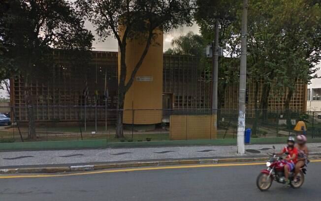 Para ajudar nas investigações sobre o caso do fórum, policiais estão em busca de possíveis imagens de câmeras de segurança