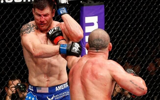 Wanderlei Silva não teve dó de Brian Stann e  venceu por nocaute a principal luta do UFC Japão,  realizado em Saitama
