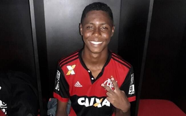 Jhonata Ventura foi um dos feridos no incêndio do CT do Flamengo, que matou 10 jovens atletas da base