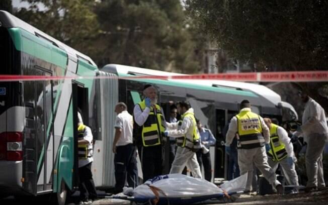 Ataques matam ao menos 3 pessoas em Israel