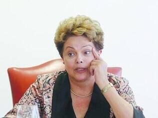 Dúvida.  Presidente  Dilma Rousseff ainda não se decidiu sobre o formato da unificação do PIS e Cofins